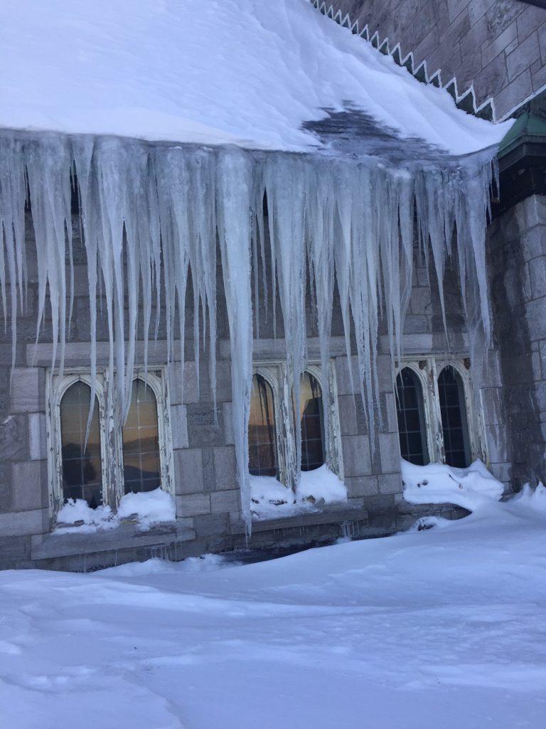 Roof ice1